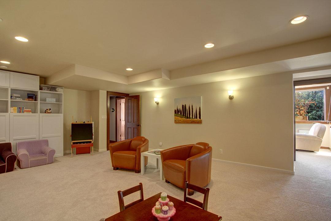 Blue-Ridge-Neighborhood-Home-for-Sale-Seattle-33171_6_1