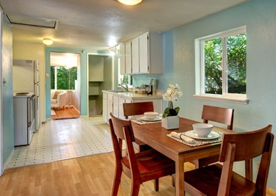 dining-area-staging-black-and-pickett-seattle-real-estate